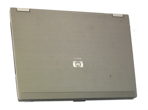 hp-laptop-screen-replacement-broken-hinge