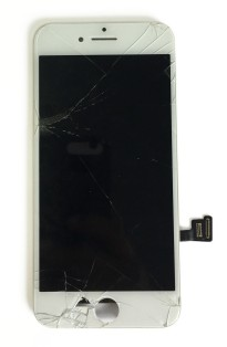 iphone-8-broken-lcd-screen-replaced
