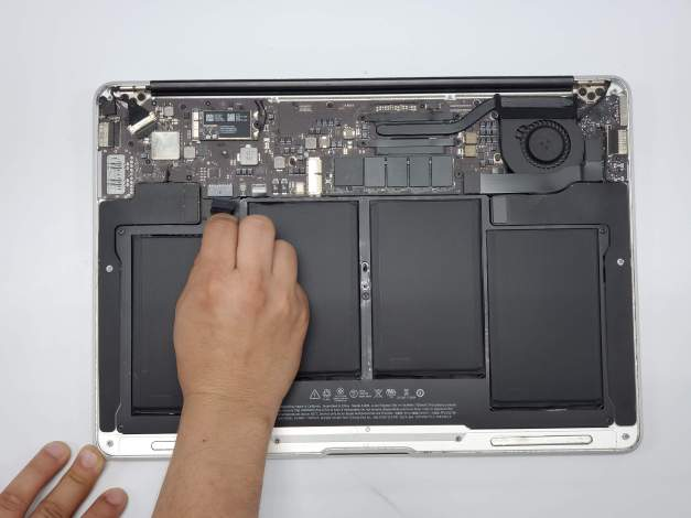 MacBook Air battery replacement service Dallas